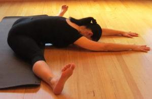 Растяжка – необходимая процедура йоги