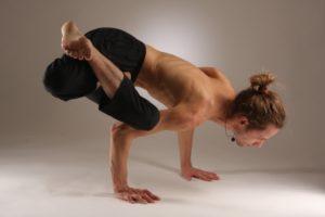 Особенности сложных поз в йоге