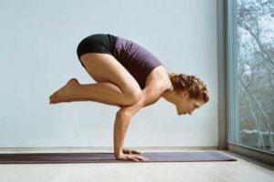 Подготовка йога к стойке на руках