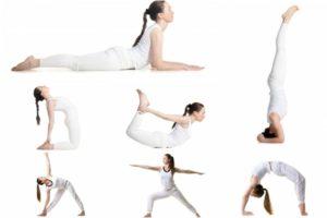 Выполнение асан йоги для упругой груди