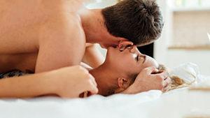 Стоит ли уводить женатого мужчину из семьи? Психология любовницы