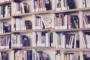 Топ книг по психологии отношений: что обязательно должна прочесть каждая женщина
